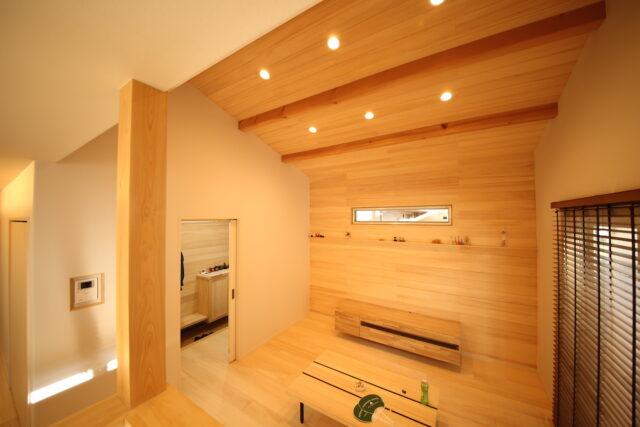 勾配天井 - K.S様邸 新発田市 - もみの木の家 施工事例