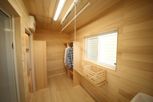 脱衣室 - K.S様邸 新発田市 - もみの木の家 施工事例