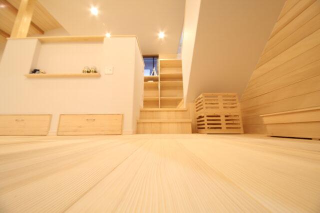 浮造りの床 - K.S様邸 新発田市 - もみの木の家 施工事例