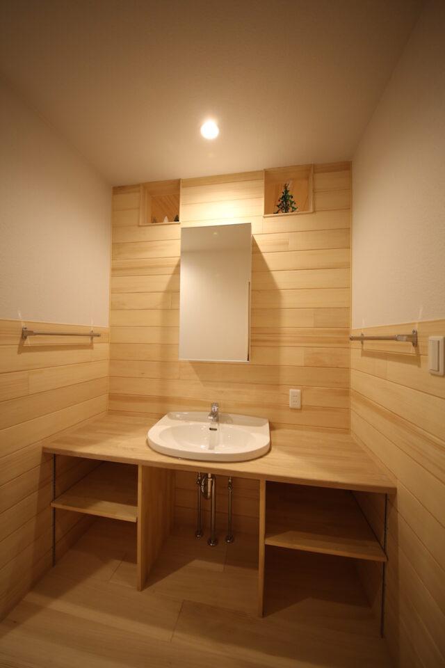 造作洗面台 - T.S様邸 新潟市南区 - もみの木の家の施工事例