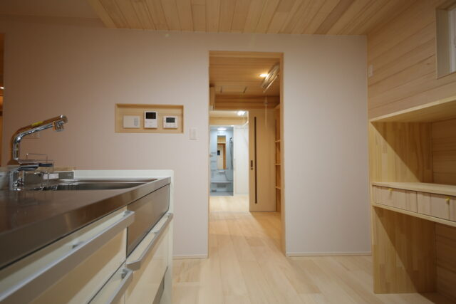 家事動線 - K.I様邸 新潟市南区 - もみの木の家の施工事例