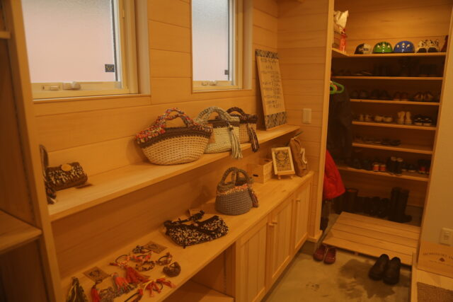 商品棚 - KK様邸 - もみの木の家 施工事例
